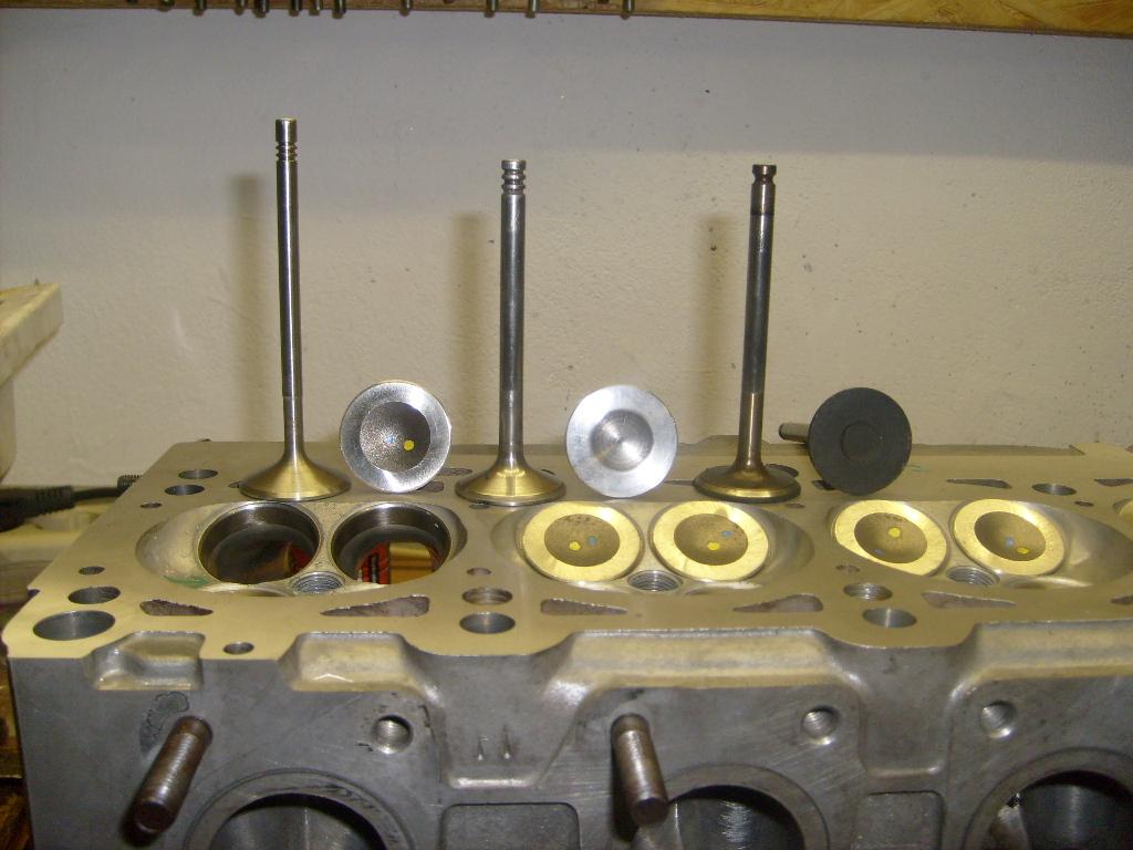 C4 V8 Motor - www.milan-center.de
